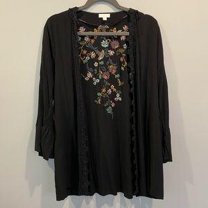 Black Kimono with floral detail on the back!